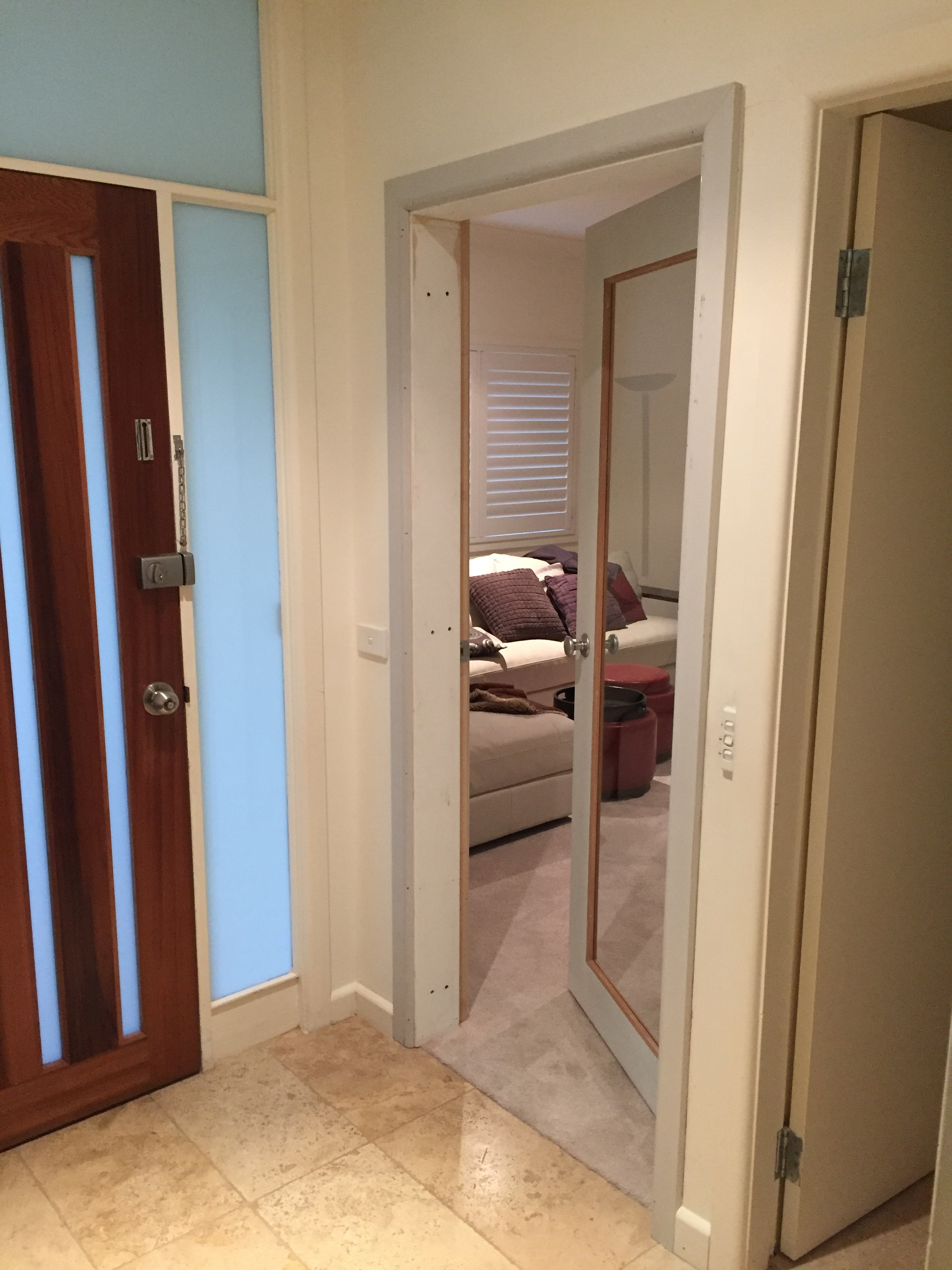 1d - Lounge Door, Jamb _ Architrave Fitted