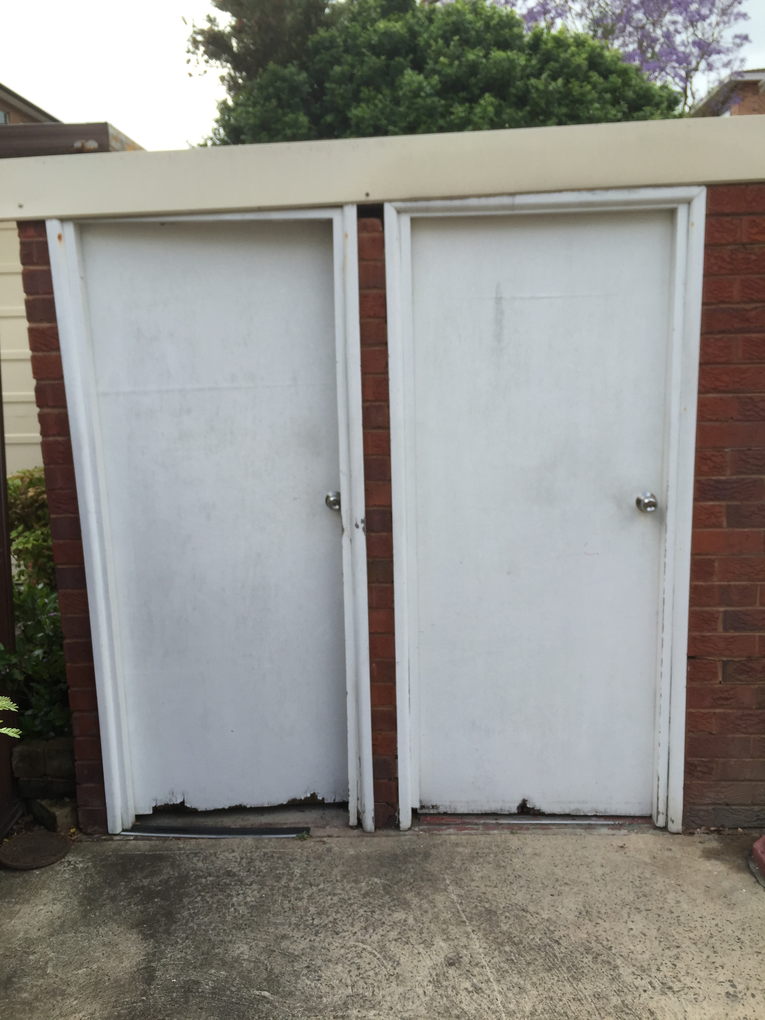 6a - External Laundry Doors Need Replacing